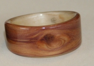 juniper heartwood ring with natural featured knot