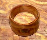 juniper heart wood ring with natural knot  view 2
