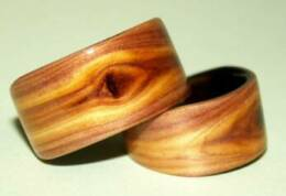 Juniper heart wood rings with featured knots and liners